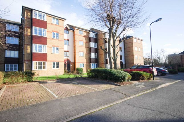 Thumbnail Flat to rent in Thurlow Close, London