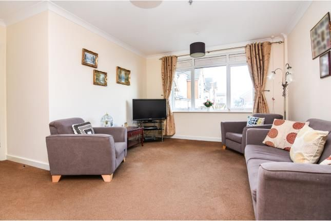 Thumbnail Flat for sale in Rectory Road, Pitsea, Basildon