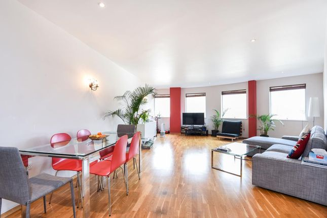 Thumbnail Flat to rent in Richmond, Surrey