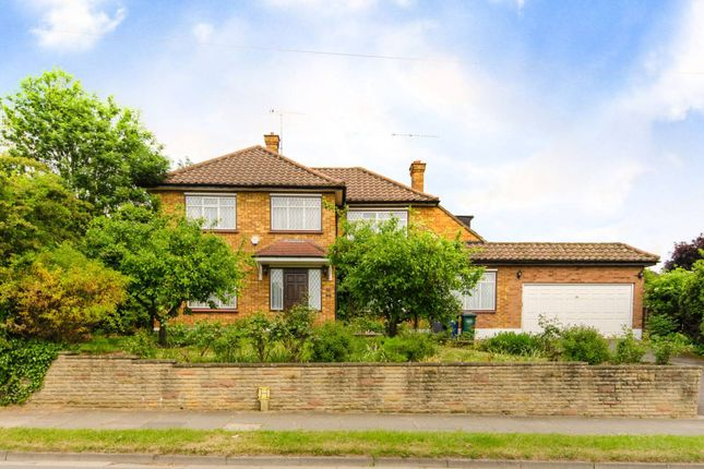 Thumbnail Property to rent in Park Road, East Barnet