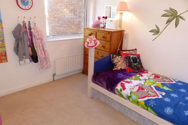 Photo 4 of Willows Road, Bourne End SL8