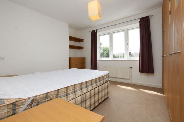 Room to rent in The Chestnuts, Highbury Grange, Arsenal, Drayton Park, Canonbury