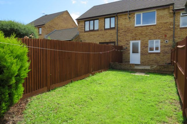 2 bed property to rent in Dobree Park, Wellington, Somerset