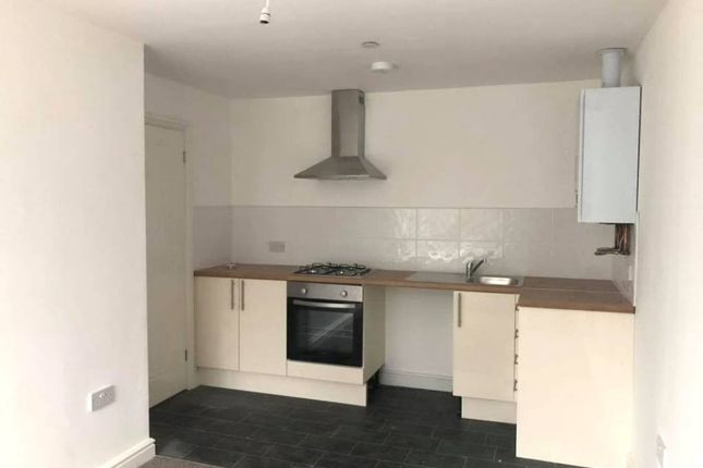 Flat to rent in Dunraven Street, Tonypandy -, Tonypandy