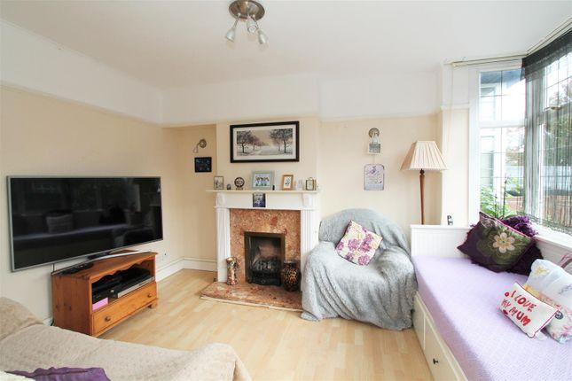 Living Room of Chelwood Avenue, Hatfield AL10