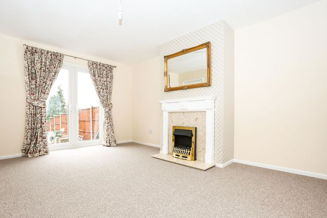 3 bed semi-detached house to rent in Hyde Road, Kenilworth CV8