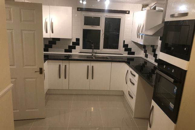 Thumbnail Terraced house to rent in Nicholas Close, South Ockendon