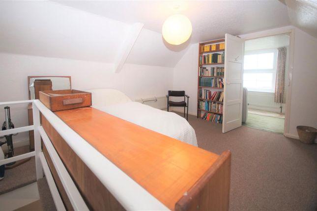Bed 5. of Fosketh Hill, Westward Ho, Bideford EX39