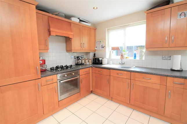 Thumbnail Town house for sale in Campion Road, Hatfield