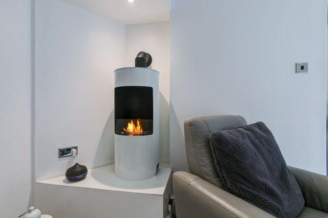 Fireplace of Greenlands Avenue, Greenlands, Redditch B98