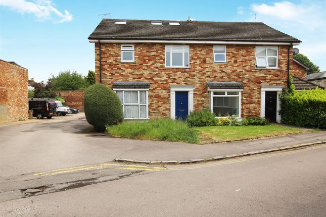 Maisonette for sale in Church Road, Linslade, Leighton Buzzard