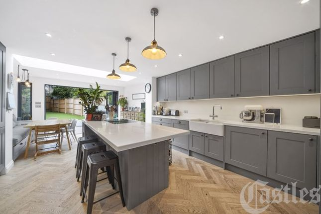 Thumbnail Terraced house for sale in New Road, London