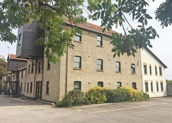 Flat to rent in Clovers Court, Stowmarket