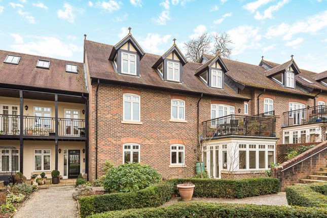 2 bed flat for sale in Bramley, Guildford, Surrey GU5