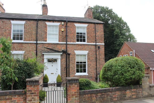 Thumbnail Town house for sale in Coniscliffe Road, Darlington