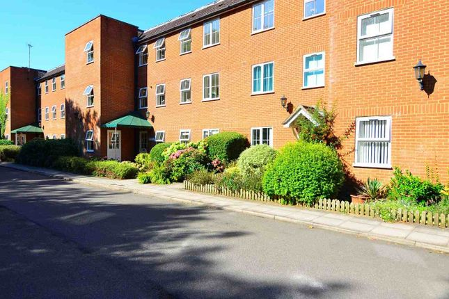 Thumbnail Flat to rent in Chapel Road, Hothfield, Ashford