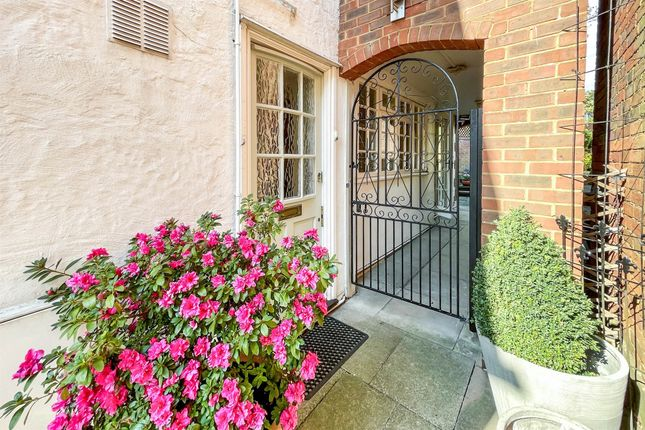 Thumbnail Semi-detached house for sale in High Street, Codicote, Hitchin