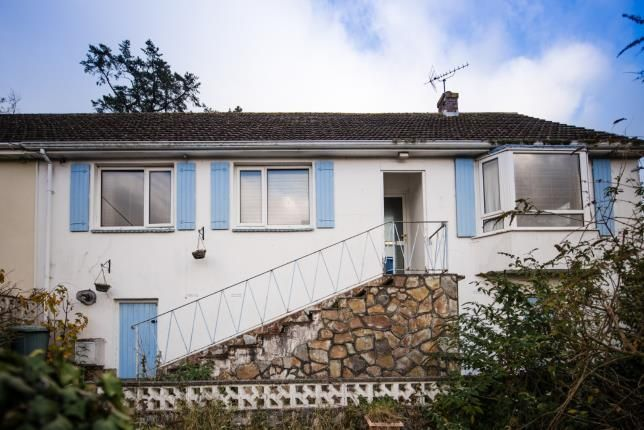 Thumbnail Bungalow for sale in Teignmouth, Devon