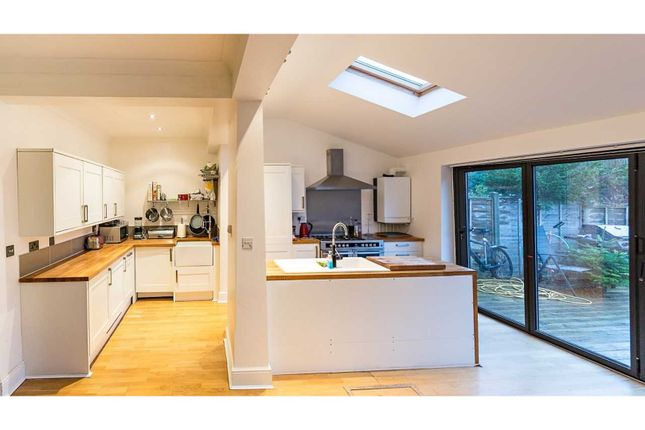 Thumbnail Terraced house for sale in Drapers Road, Enfield