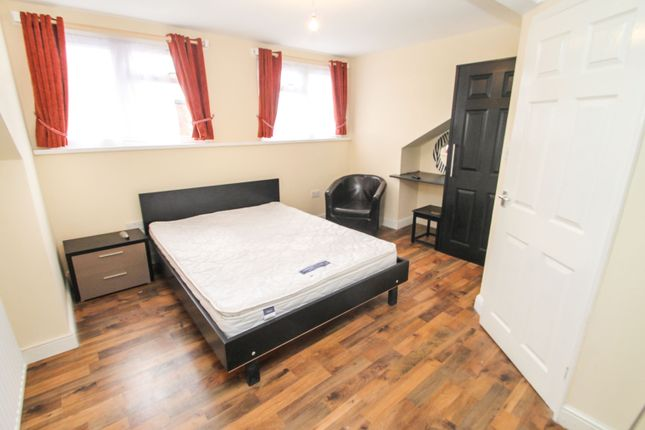Thumbnail Room to rent in Stratford Terrace, Beeston, Leeds