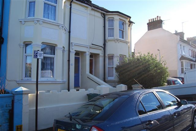 Thumbnail Terraced house to rent in Bonchurch Road, Brighton
