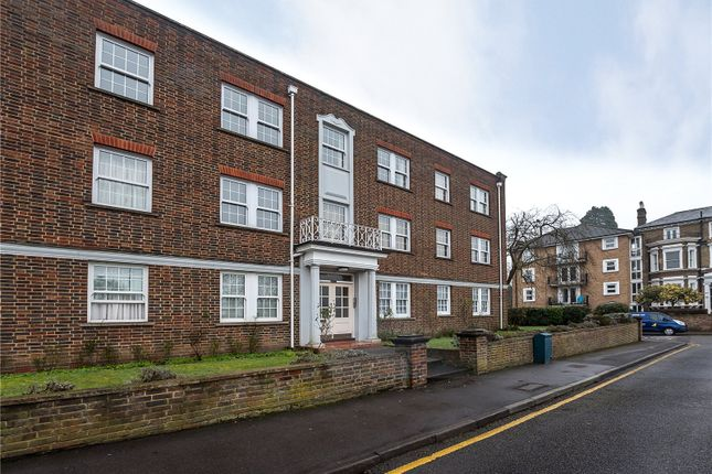 2 Bed Flat For Sale In Home Park Walk Kingston Upon Thames