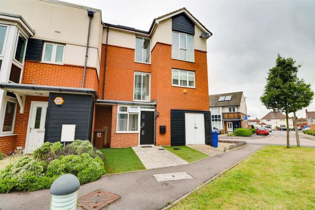 4 bed property for sale in Bridgland Road, Purfleet RM19