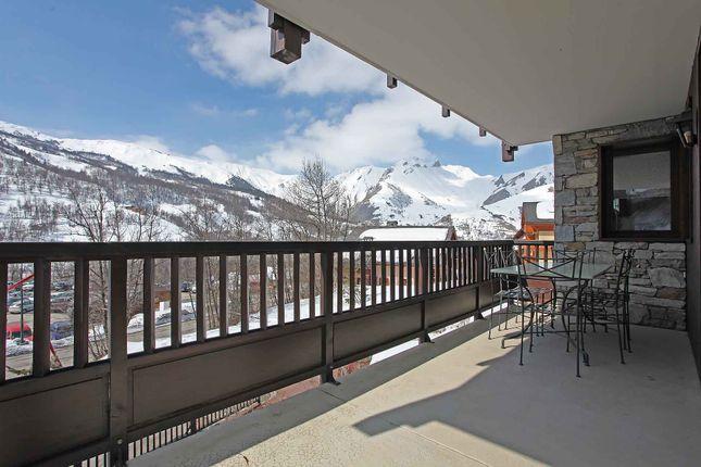Thumbnail Apartment for sale in St Martin De Belleville, Savoie, Rhône-Alpes, France