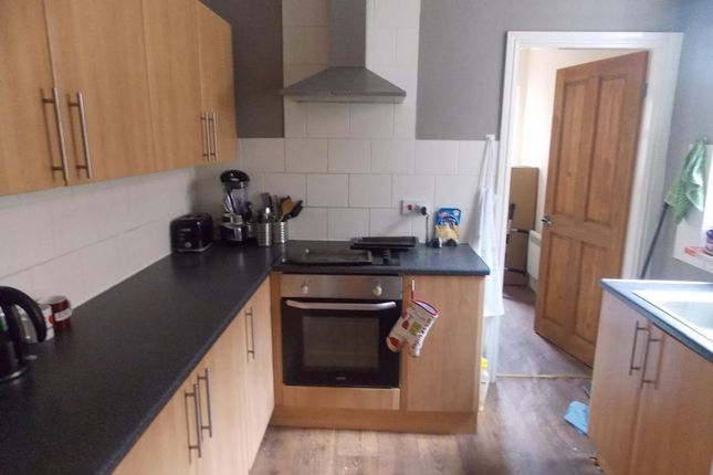 Thumbnail Flat for sale in De Grey Street, Kingston Upon Hull