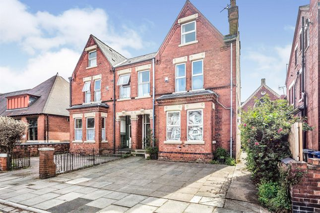 4 bed semi-detached house for sale in Lawn Road, Doncaster DN1