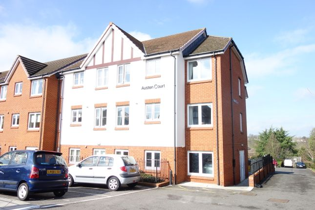 Thumbnail Flat for sale in Winchmore Hill Road, Southgate