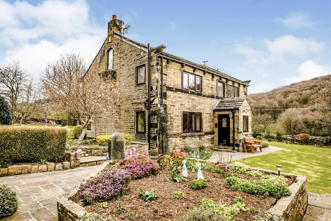4 bed detached house for sale in Reap Hirst Road, Birkby, Huddersfield HD2