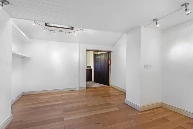 Further Space Off Lower Ground Floor
