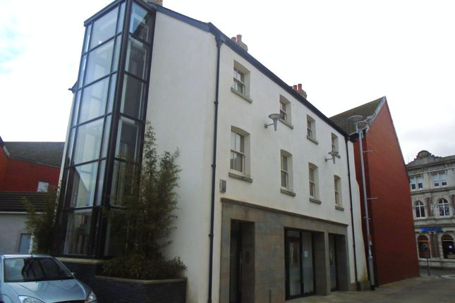 Retail premises to let in Boutique Retail/Business Unit, 3 Cross Street, Bridgend