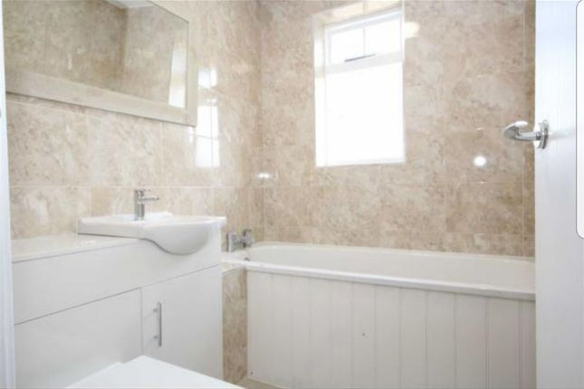 Thumbnail Flat to rent in Avenue Road, London