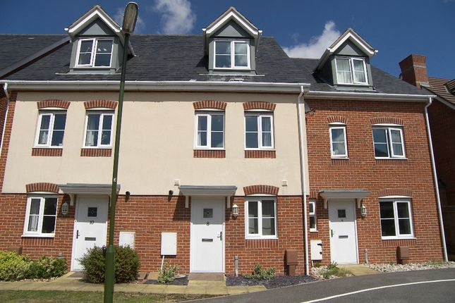 Thumbnail Terraced house to rent in Bostock Road, Chichester