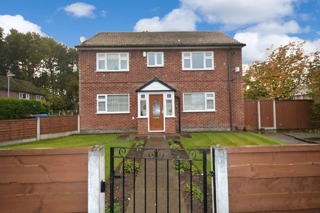 Thumbnail Flat to rent in Leominster Drive, Peel Hall, Manchester