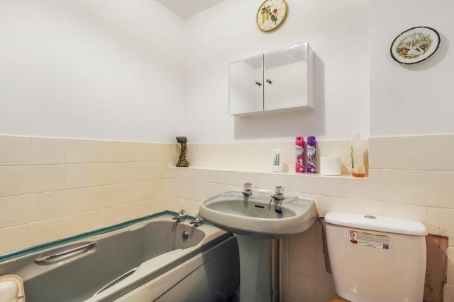 Bathroom of Crest View, Nottingham, Nottinghamshire NG5