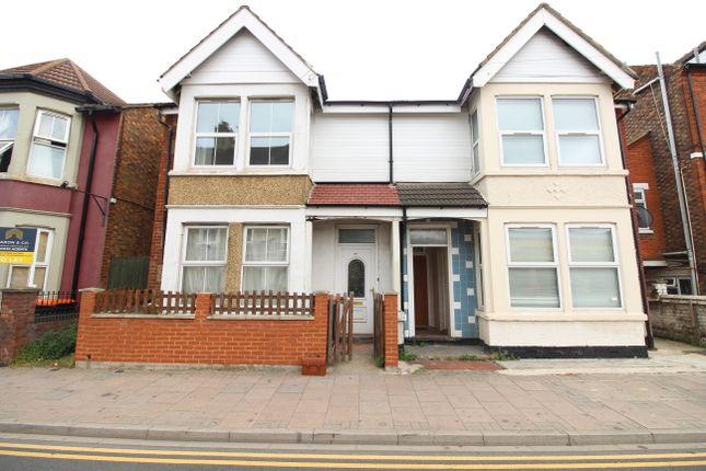 Thumbnail Semi-detached house to rent in Ashburnham Road, Bedford