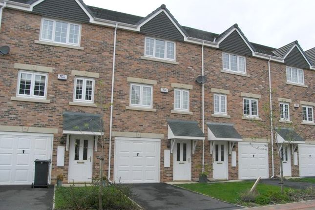 Thumbnail 3 bed detached house to rent in Castle Lodge Court, Rothwell, Leeds, West Yorkshire