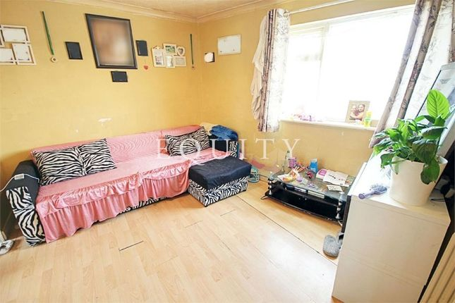 Thumbnail Flat for sale in Monroe Crescent, Enfield