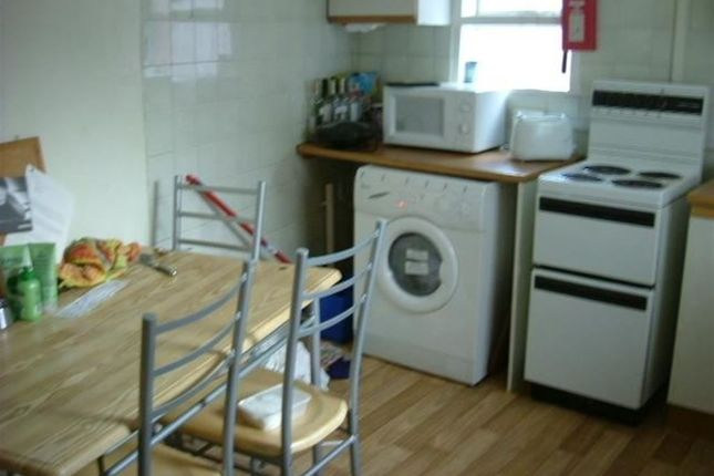 Property to rent in Norwood Place, Hyde Park, Leeds