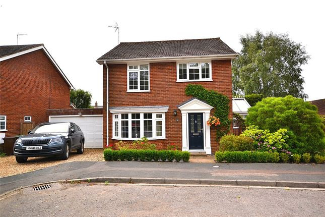 Thumbnail Detached house for sale in Farm Close, Stewkley, Bedfordshire, Bedfordshire