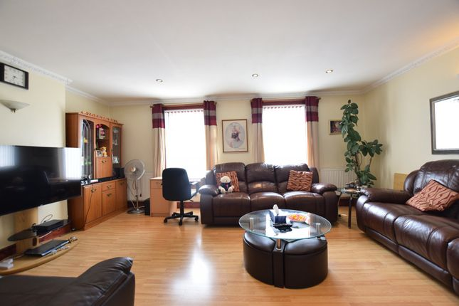 Thumbnail Terraced house for sale in Basingstoke Road, Reading