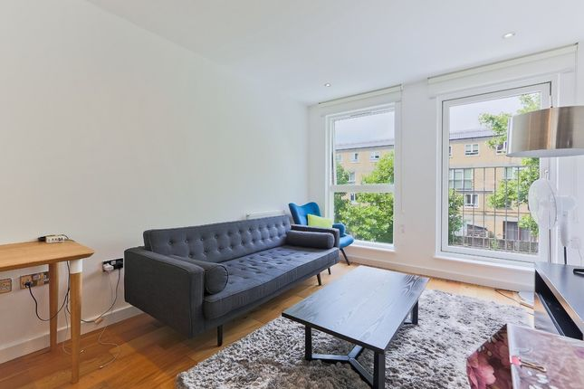 2 bed flat to rent in Plender Street, London