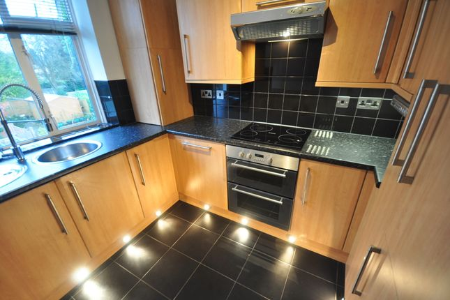 Thumbnail Maisonette to rent in Spencer Road, Caterham