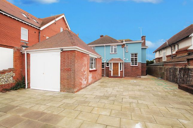 Thumbnail Property to rent in Abbey Road, Worthing