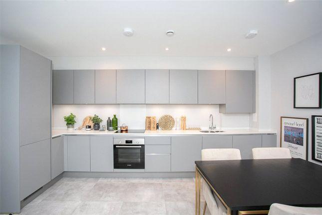 Picture No. 30 of Flat 23 High Views, Ellam Court, Bushey, Hertfordshire WD23