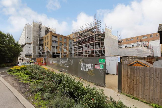 Thumbnail Flat for sale in Smithfield Square, Hornsey, Crouch End