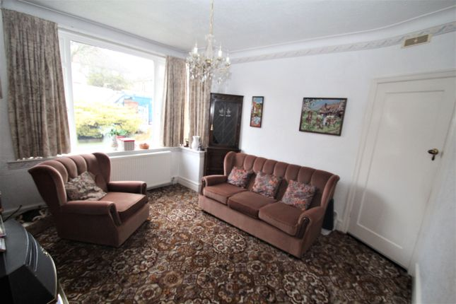 Living Room of The Meadway, Dore S17